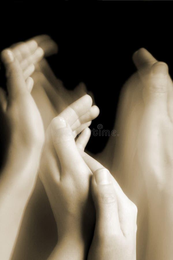 Interessierende Hände