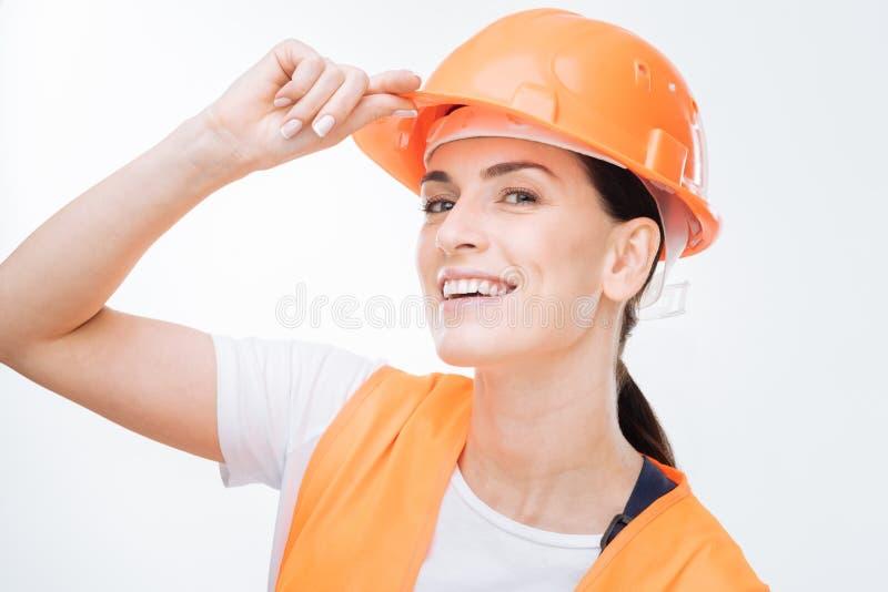 Interesujący żeńskiego pracownika powitanie z inny zdjęcie stock