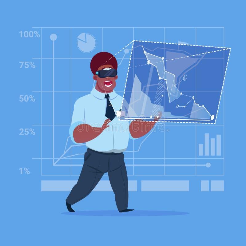 Interfaccia afroamericana del touch screen di vetro di Digital di realtà virtuale di usura di uomo di affari illustrazione vettoriale