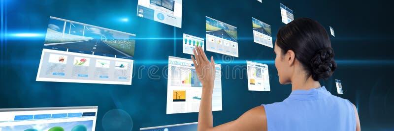 Interfaccia dello schermo commovente della donna fotografia stock