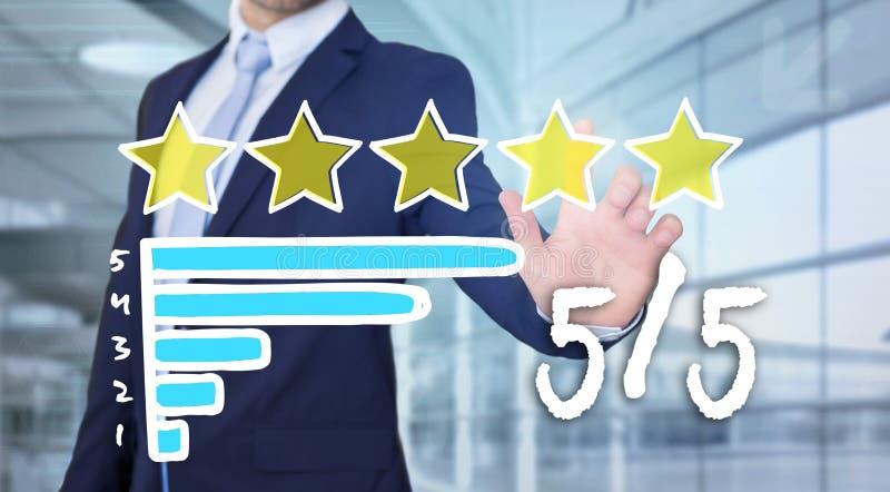 Interface émouvante de technologie d'homme d'affaires avec des étoiles de rang image stock