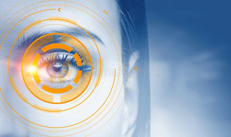 Interface immersive orange au-dessus de visage de femme image stock