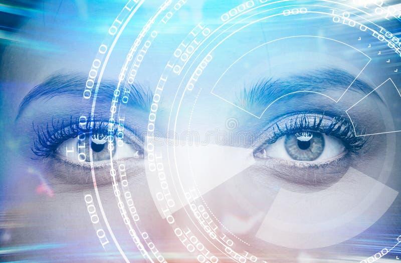 Interface immersive rougeoyante au-dessus de visage de jeune femme photographie stock
