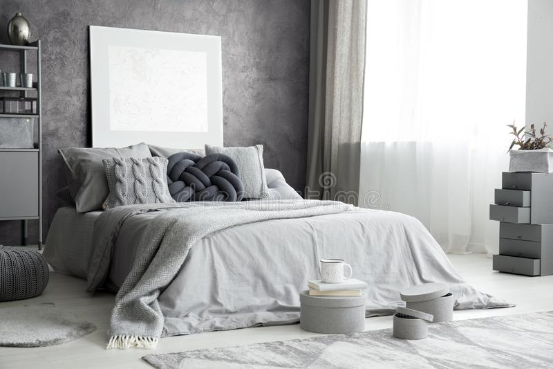 Interior à moda cinzento fotos de stock royalty free