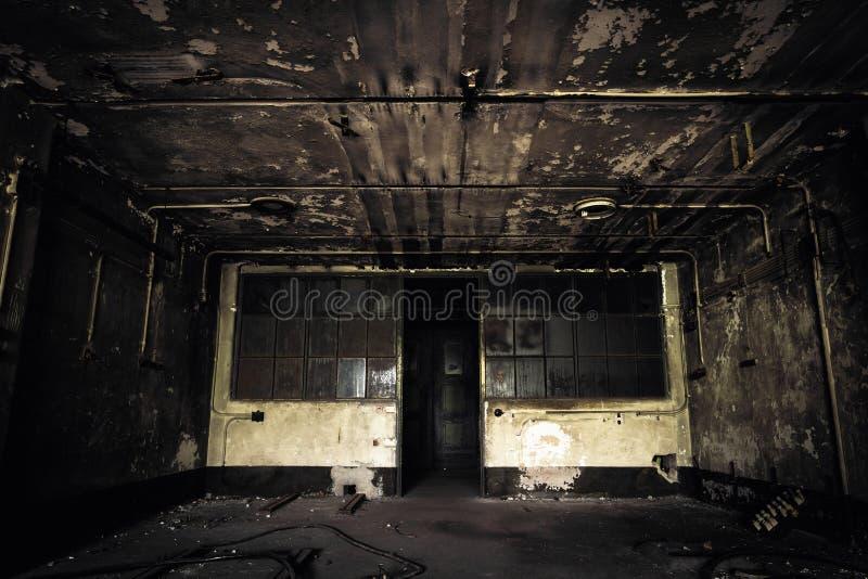 Interior abandonado del edificio industrial fotos de archivo libres de regalías
