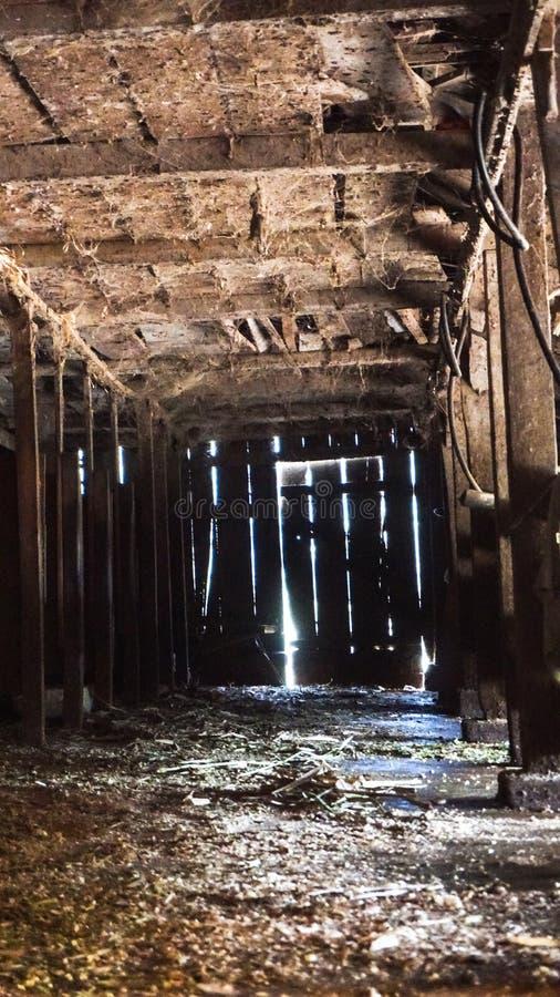 Interior abandonado do rancho fotos de stock