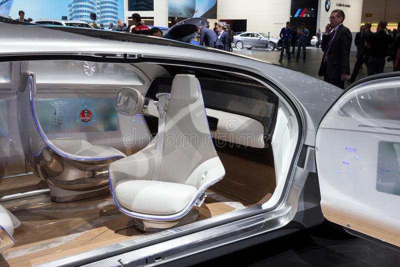 Interior autónomo del coche del concepto de Mercedes Benz foto de archivo libre de regalías