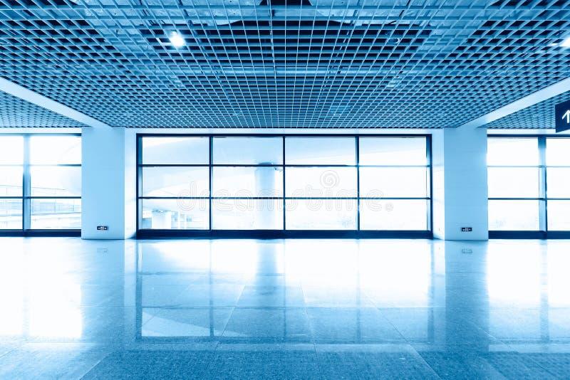 Interior av det moderna arkitektoniskt royaltyfri foto
