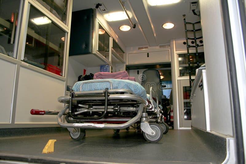 Interior av en ambulans arkivfoton