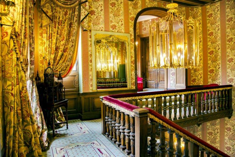 Interior barroco luxuoso em Castelo de Mirambeau i fotografia de stock royalty free