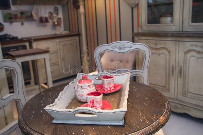 Interior bonito da cozinha no estilo retro foto de stock royalty free