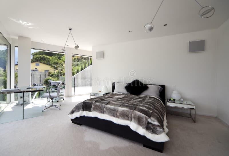 Interior bonito de uma casa moderna foto de stock royalty free