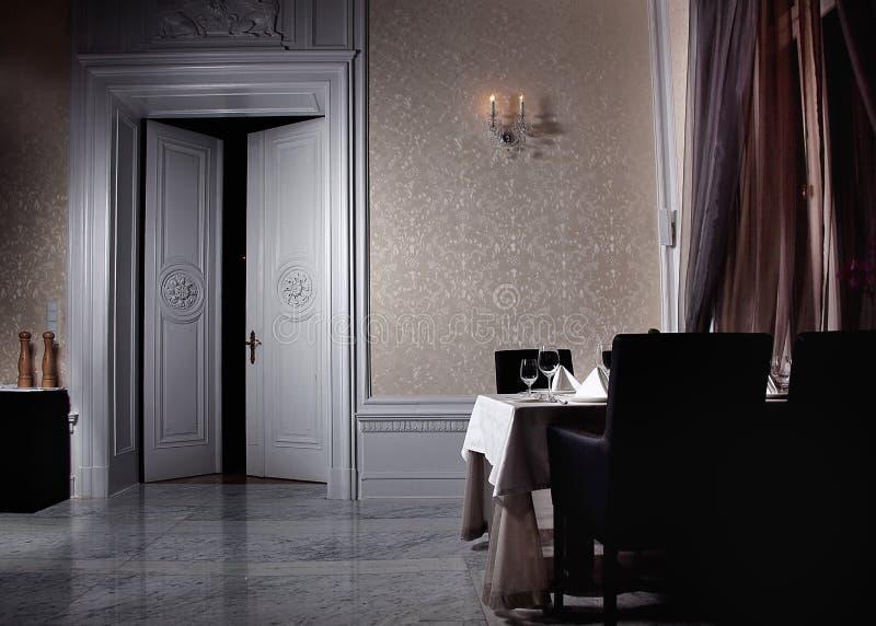 Interior branco clássico fotografia de stock royalty free
