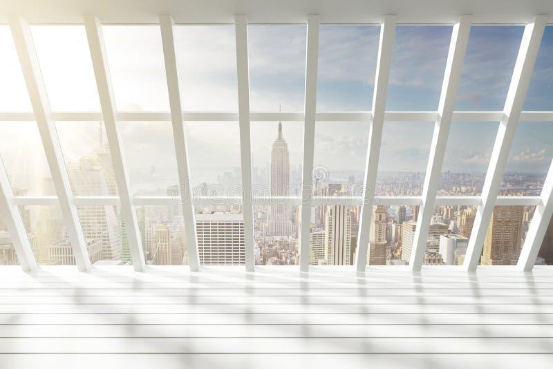 Interior branco vazio bonito do sótão com opinião da cidade no alvorecer ilustração do vetor
