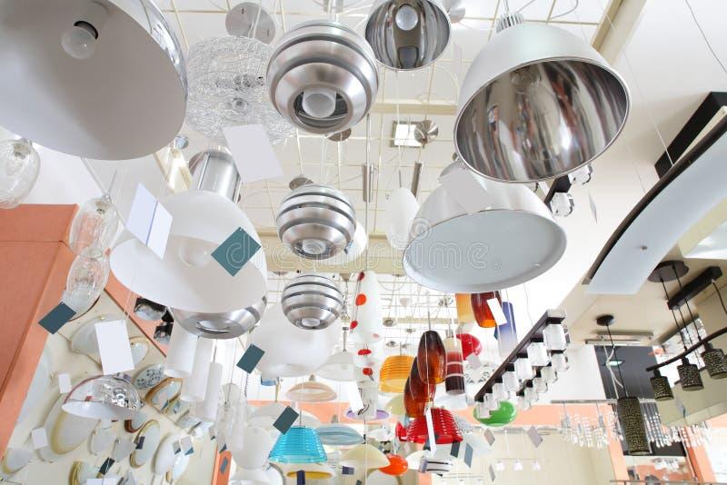 Interior brandnew de lâmpadas modernas imagens de stock