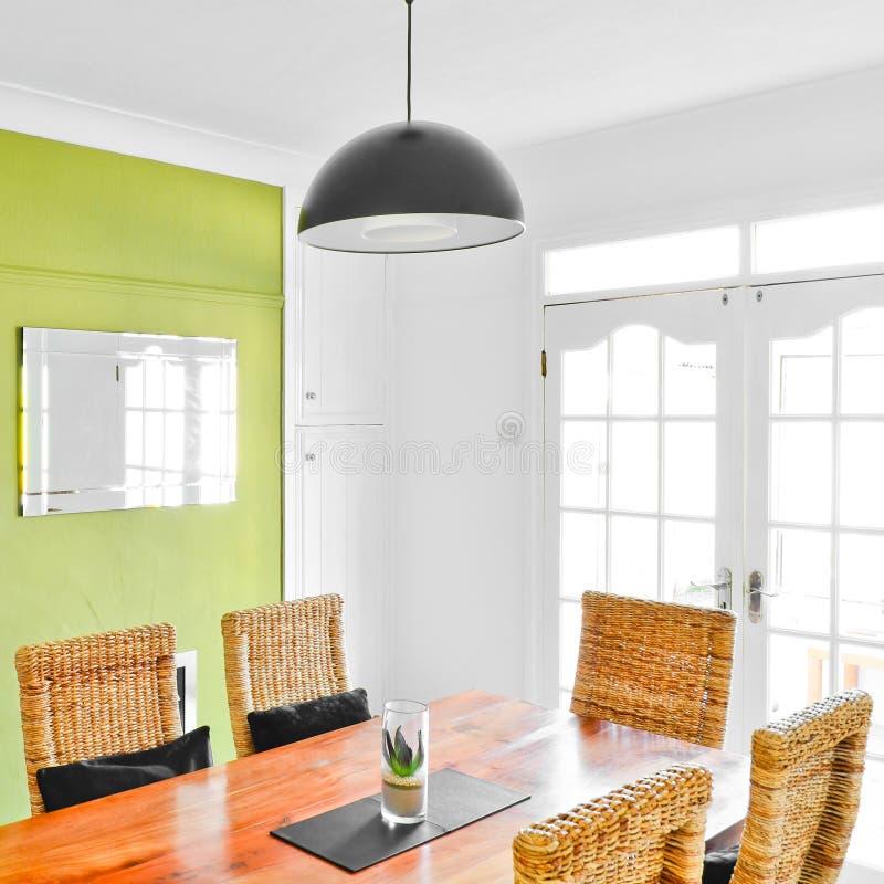 Interior brilhante da sala de jantar foto de stock royalty free