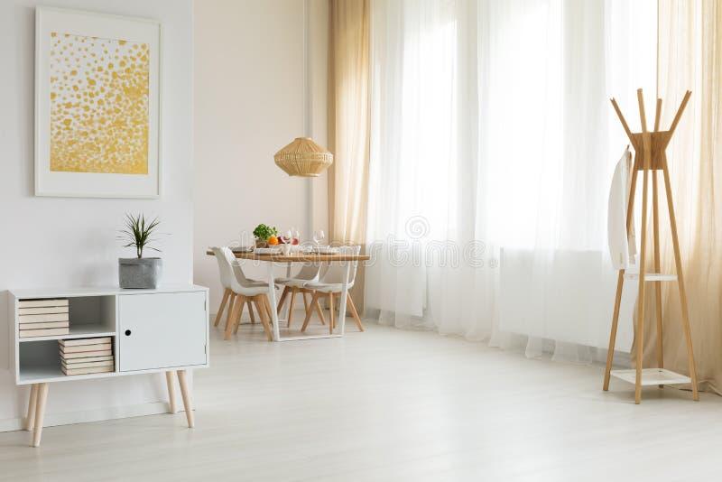 Interior brilhante e simples foto de stock royalty free