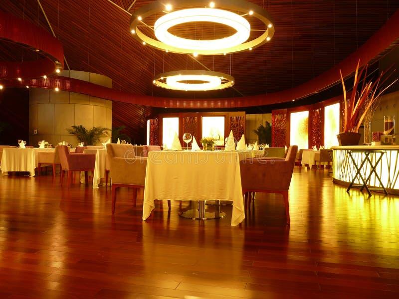 Interior chinês moderno do restaurante fotografia de stock royalty free