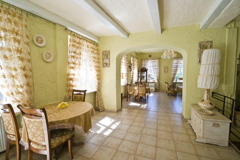 Interior clásico del restaurante imagen de archivo