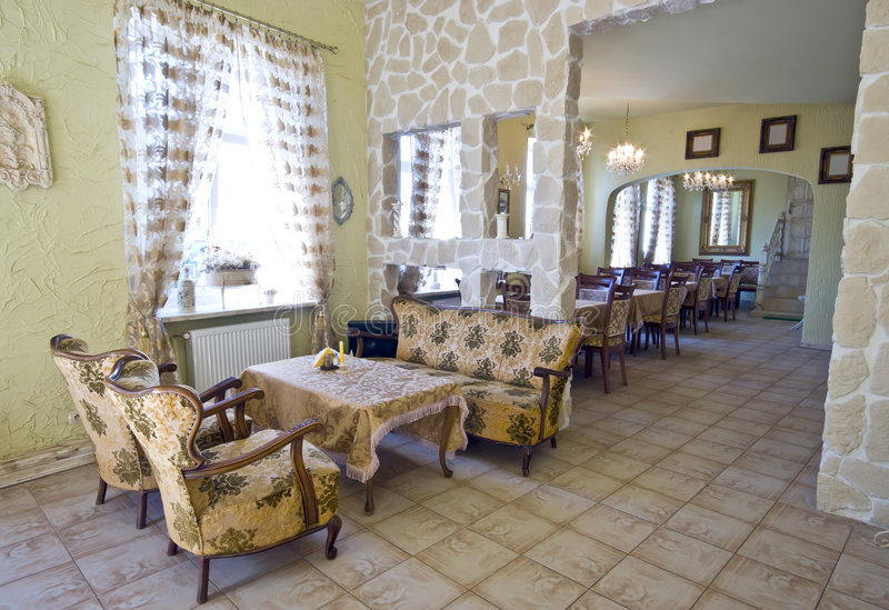 Interior clásico del restaurante foto de archivo
