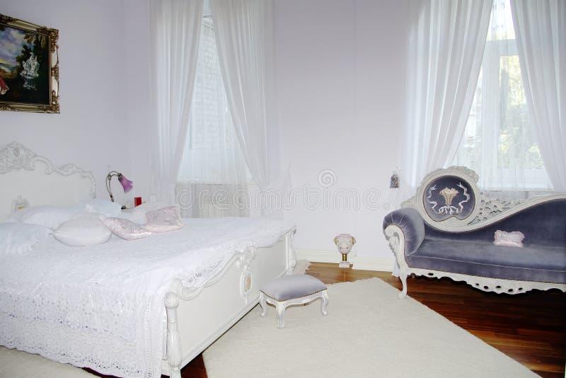 Interior clásico - dormitorio fotos de archivo libres de regalías