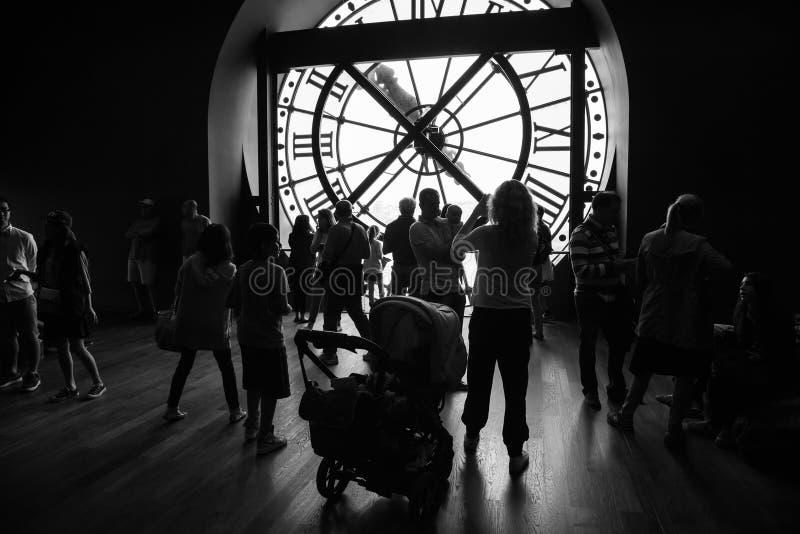 Interior con el reloj antiguo en el museo de Orsay foto de archivo libre de regalías