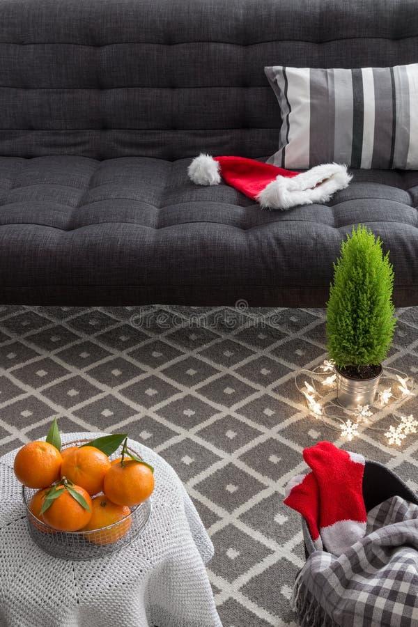 Interior con las decoraciones de la Navidad fotografía de archivo