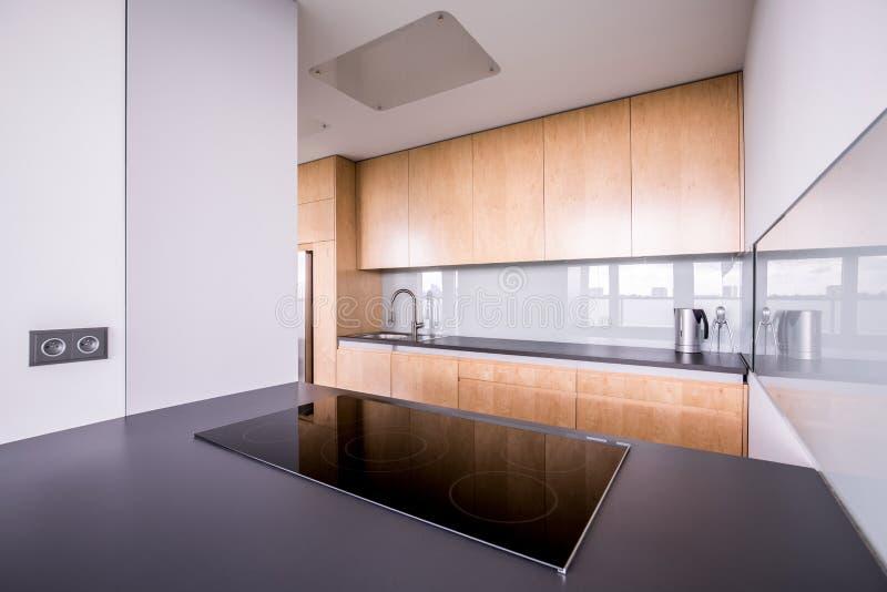 Interior contemporáneo elegante de la cocina fotos de archivo libres de regalías