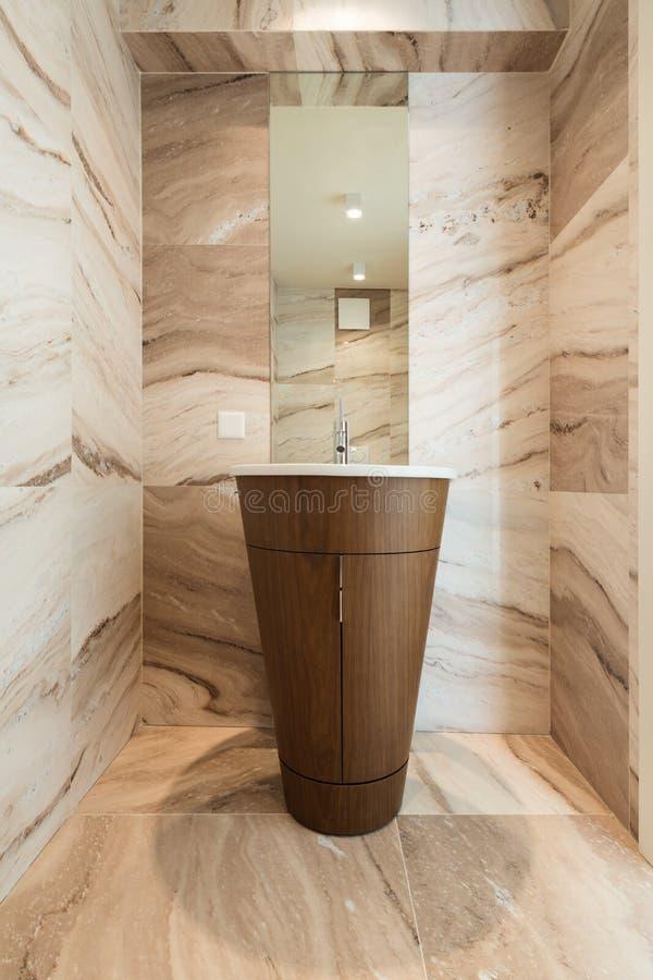 Interior, cuarto de baño de mármol imagenes de archivo