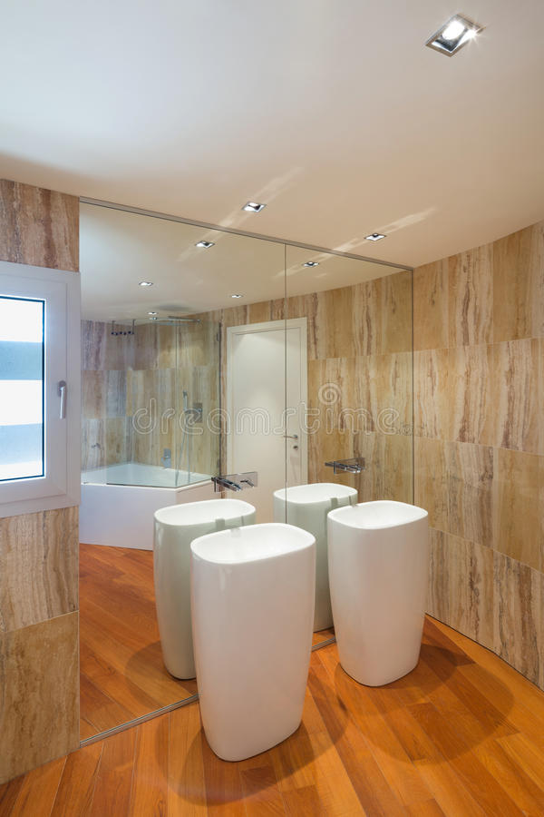 Interior, cuarto de baño de mármol foto de archivo libre de regalías