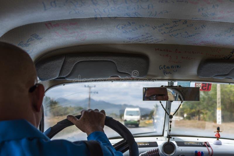 Interior cubano do táxi foto de stock royalty free