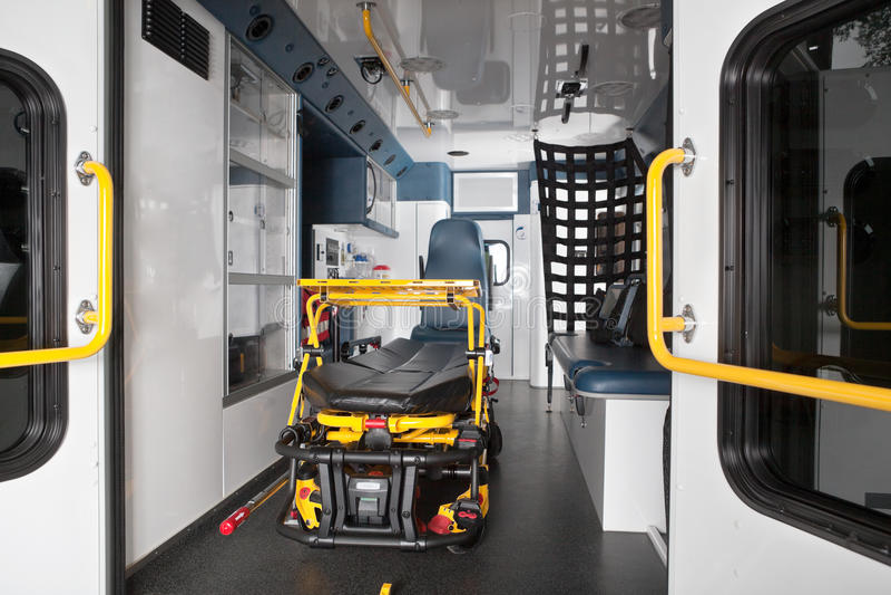 Interior da ambulância fotografia de stock royalty free
