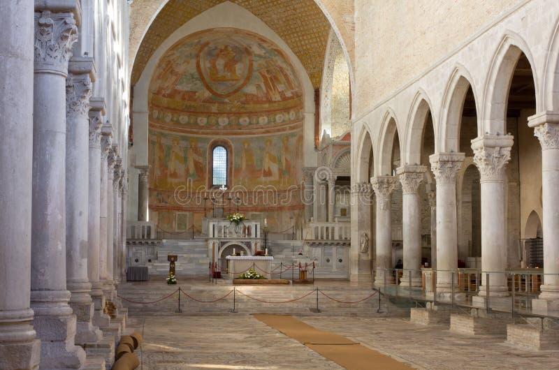 Interior da basílica de Aquileia imagens de stock