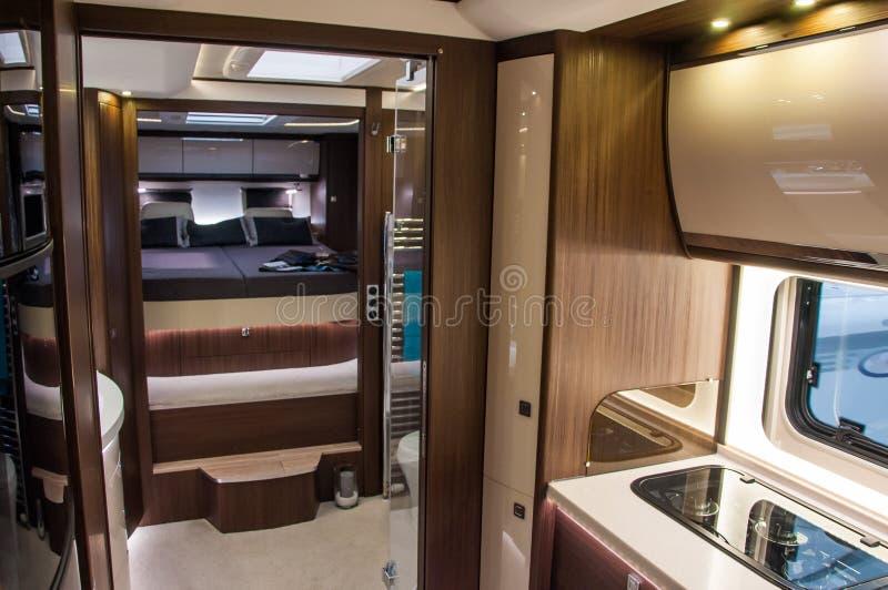 Interior da caravana luxuosa foto de stock