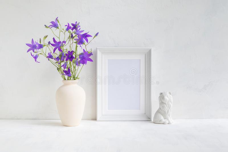 Interior da casa com elementos da decora??o fotos de stock royalty free