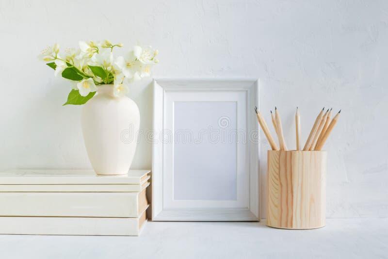 Interior da casa com elementos da decora??o foto de stock royalty free