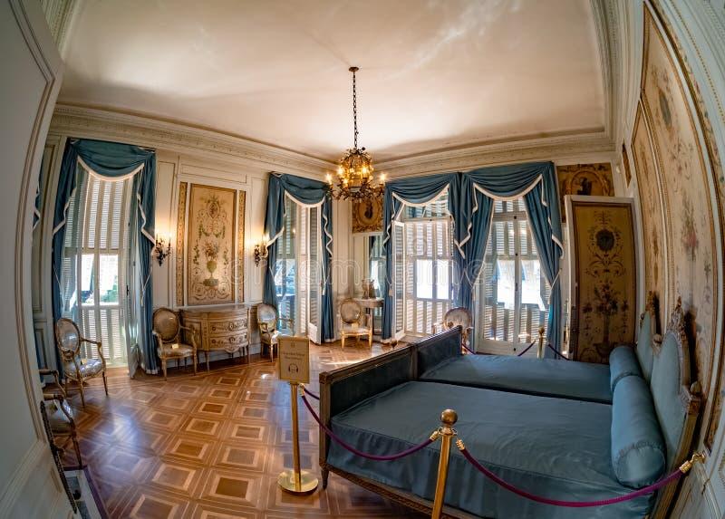 Interior da casa de campo Ephrussi de Rothschild, quarto real, agradável imagens de stock
