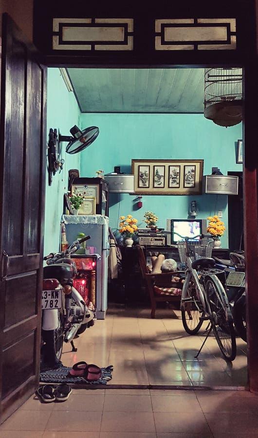 Interior da casa em Vietname imagens de stock royalty free
