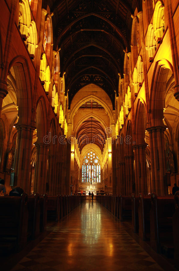 Interior da catedral foto de stock