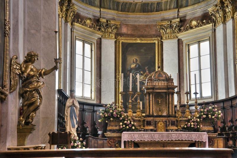Interior da catedral. Assisi. Úmbria. foto de stock royalty free
