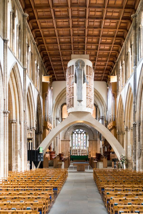 Interior da catedral de Llandaff, Cardiff, Gales do Sul imagem de stock