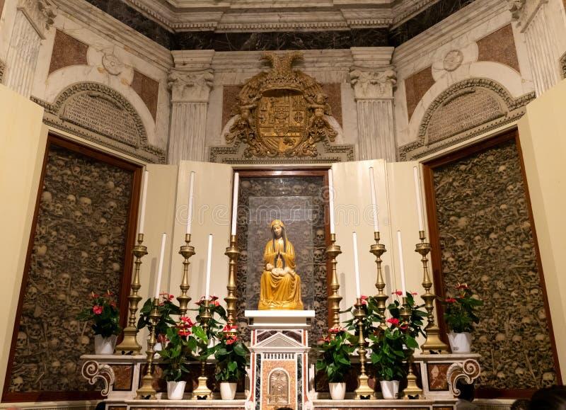 Interior da catedral de Otranto fotos de stock