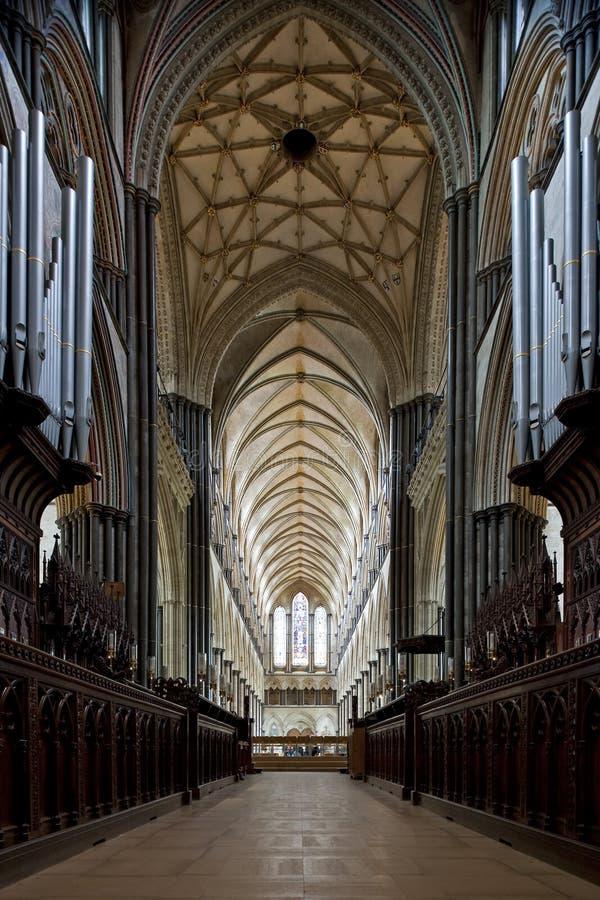 Interior da catedral de Salisbúria fotografia de stock royalty free