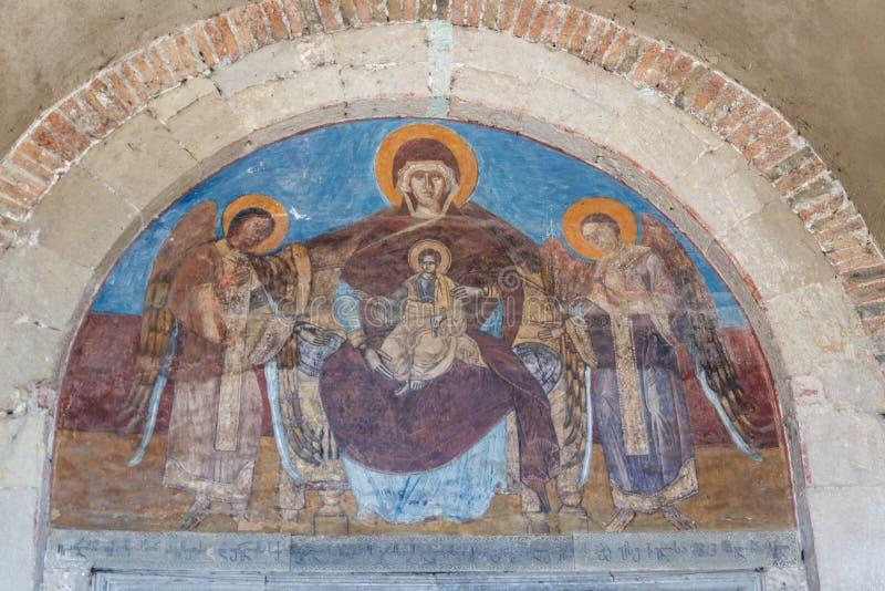 Interior da catedral de Svetitskhoveli em Mtskheta, Ge?rgia fotografia de stock