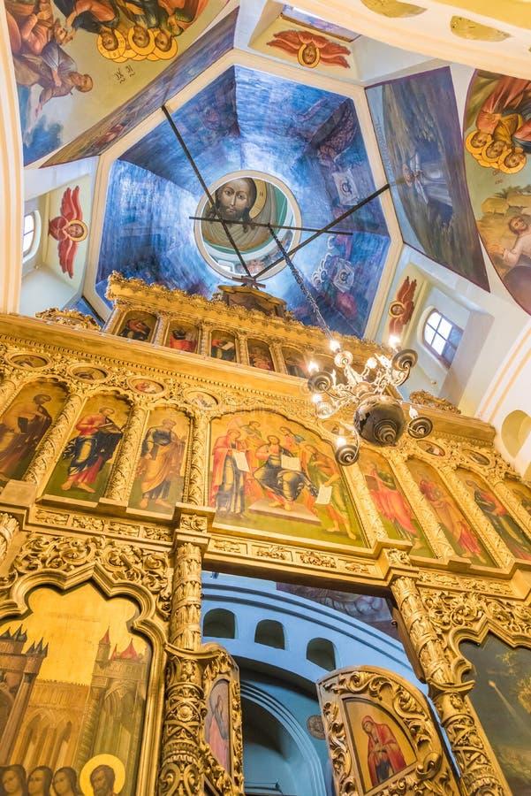 Interior da catedral do ` s da manjericão do St no quadrado vermelho em Moscou, Russi foto de stock royalty free