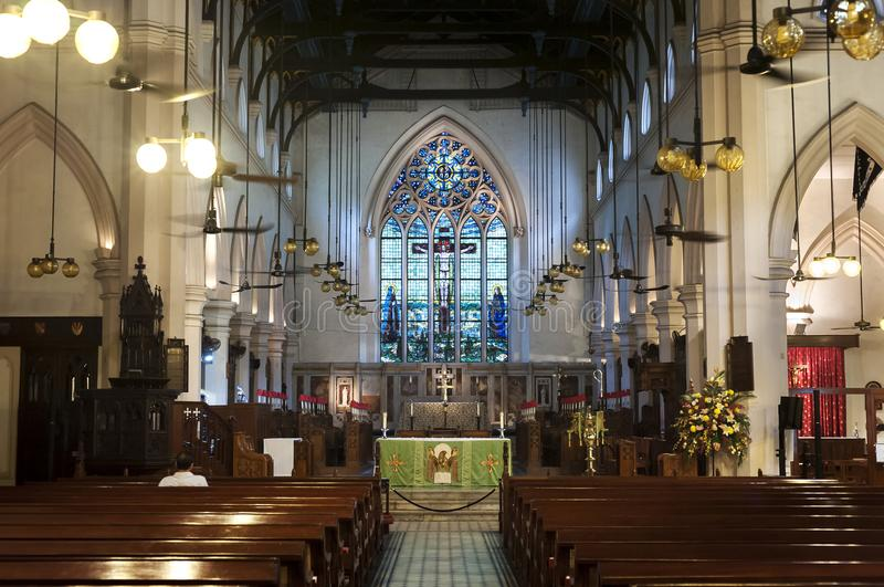 Interior da catedral do ` s de St John, central, Hong Kong foto de stock