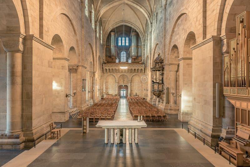 Interior da catedral medieval de Lund fotos de stock