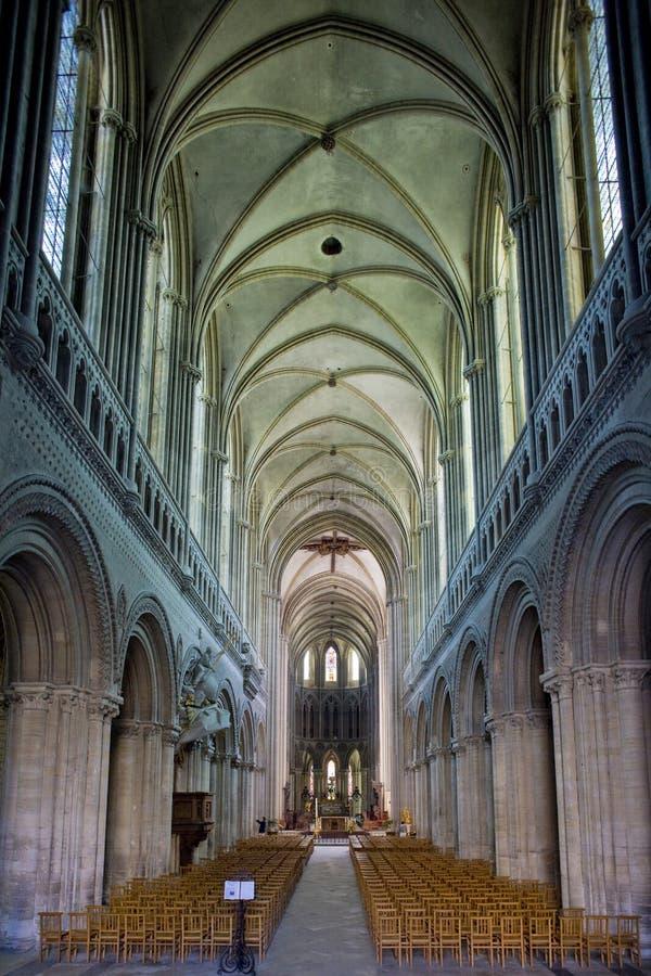 interior da catedral Notre Dame, Bayeux, Normandy, França fotografia de stock royalty free
