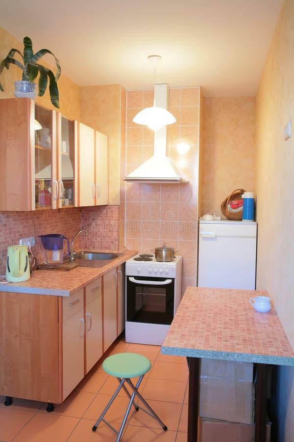 Interior da cozinha pequena fotografia de stock royalty free