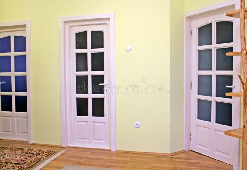 Interior da HOME com portas imagens de stock royalty free